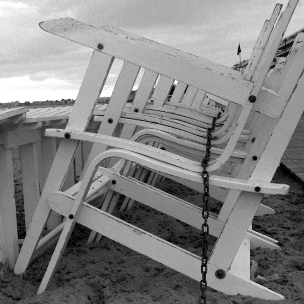 10 beach chairs